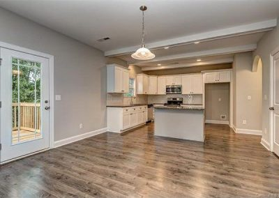 Contemporary Custom Home Design in Lake Wylie 8-m7xd-w1020_h770_q80